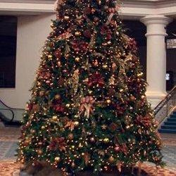 Impressie kerstboom netjes versierd